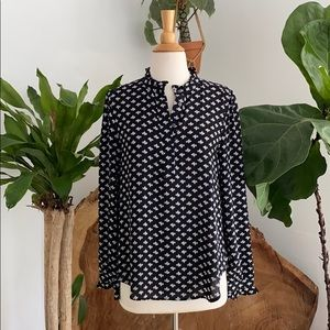 Loft Black and White Patterned Top 🖤🤍